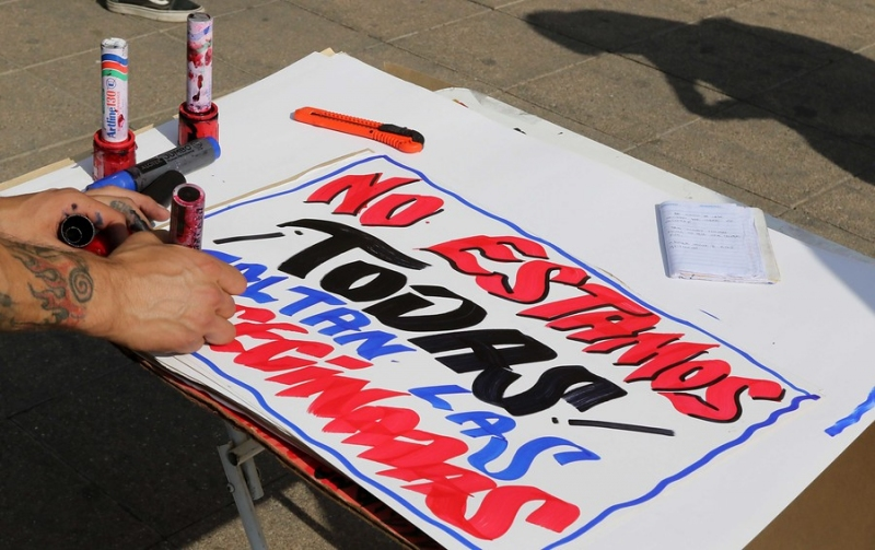 Histórica marcha: Los carteles más llamativos del #8M en Chile