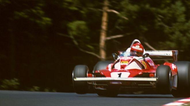 Durante la sesiones de entrenamientos de esa carrera, Lauda había expresado su preocupación por la falta de seguridad en la mítica pista alemana.