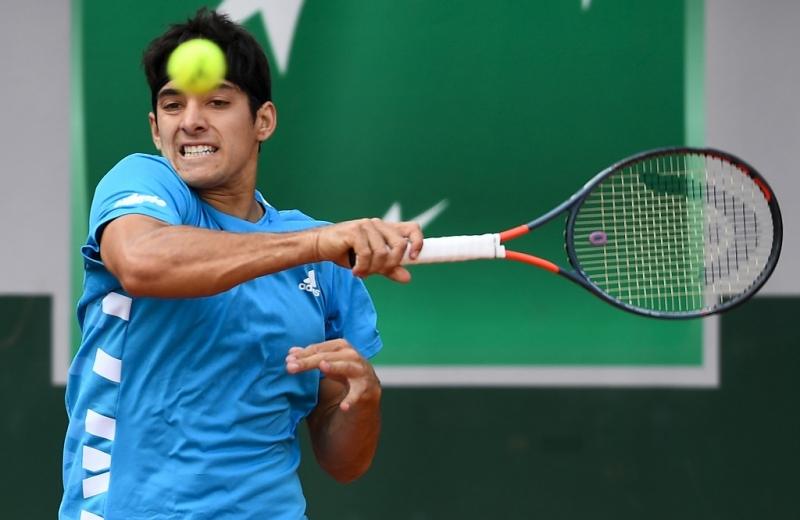 Nicolás Jarry vence a Tsitsipas (6 ATP) en 's-Hertogenbosch