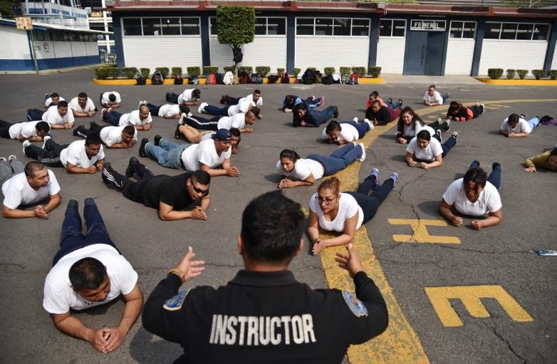 """""""Ahora ya no me canso y siento mi cuerpo diferente"""": Ciudad de México pone a sus policías en forma"""