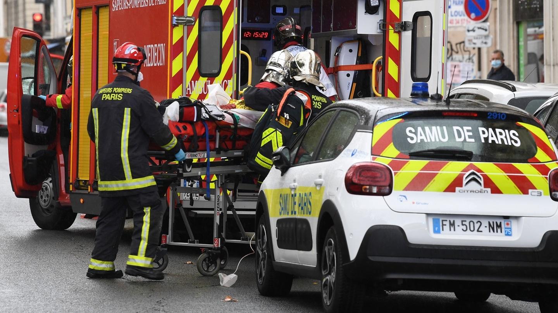 Dos personas heridas en ex sede de Charlie Hebdo en París | Tele 13