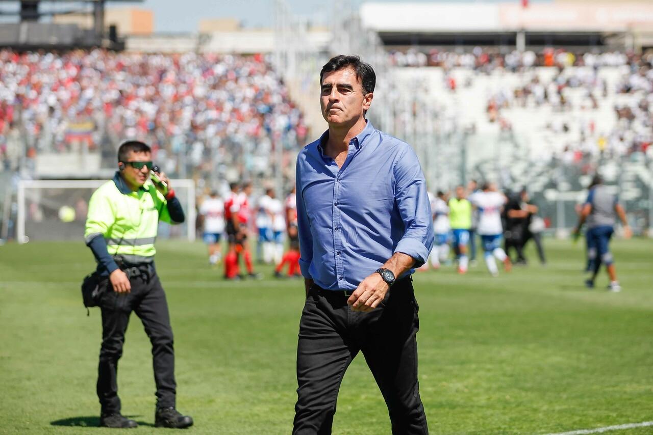 Colo Colo va por Quinteros:Es el momento de cambiar a Gualberto | Tele 13