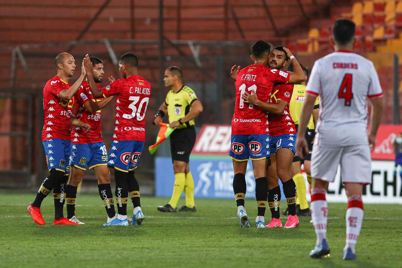Unión Española derrota en un partidazo a Unión La Calera | Tele 13