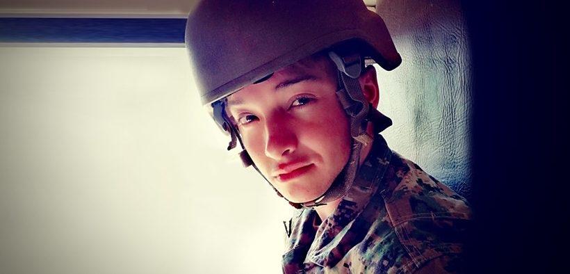Fuerzas Armadas admiten por primera vez sus filas a persona trans | Tele 13