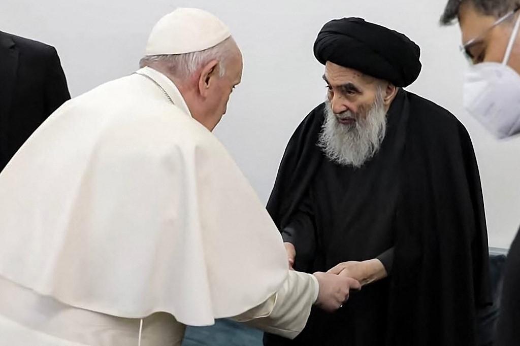 Papa Francisco y ayatolá Sistani abogan por la paz en encuentro | Tele 13