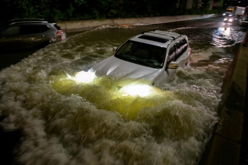 Las impactantes imágenes de Nueva York bajo el agua tras los remanentes del huracán Ida