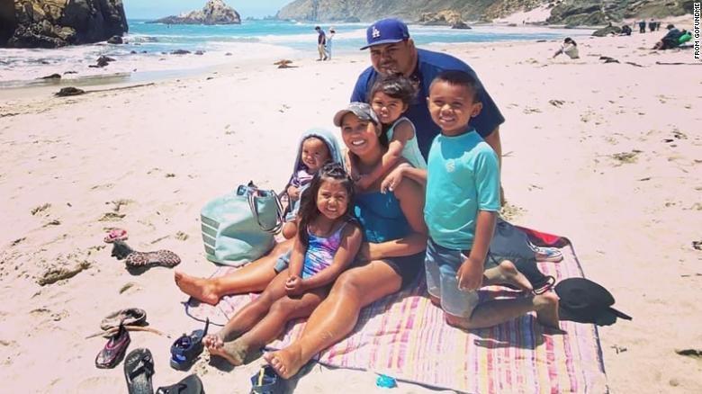 Pareja muere de COVID-19 y dejó huérfanos a sus 5 hijos, incluida una recién nacida