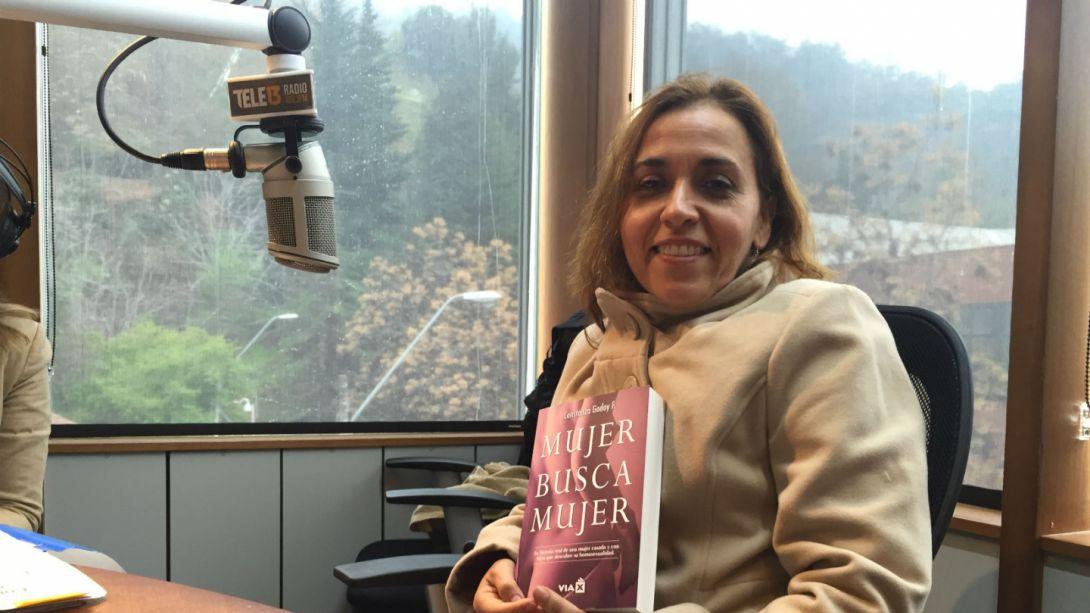 9ee8f9fed7417 Constanza Godoy habló sobre su libro Mujer busca Mujer