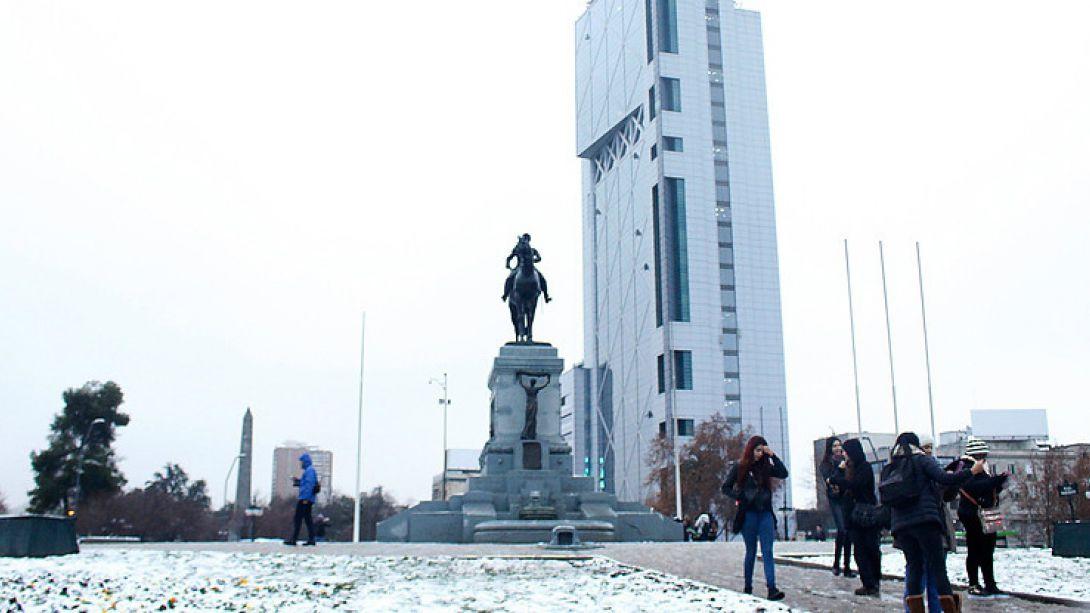 Intendenta Rubilar: Toda la Región Metropolitana podría tener nieve el lunes