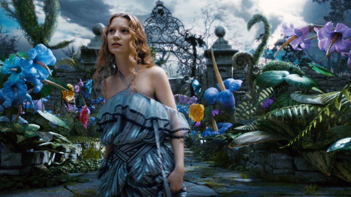"""De """"Alicia en el país de las maravillas"""" al estrellato: El camino al éxito de Mia Wasikowska"""
