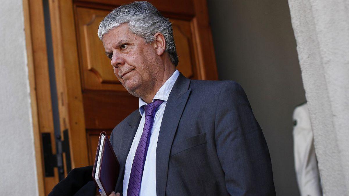 Oficialismo respalda a Eyzaguirre tras críticas y fija fecha para cónclave