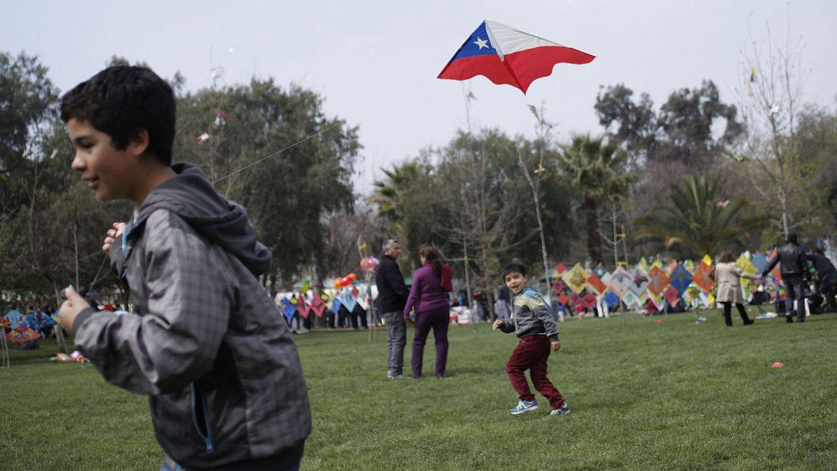 Tres de cada cuatro chilenos creen que sus hijos tendrán un futuro económico mejor