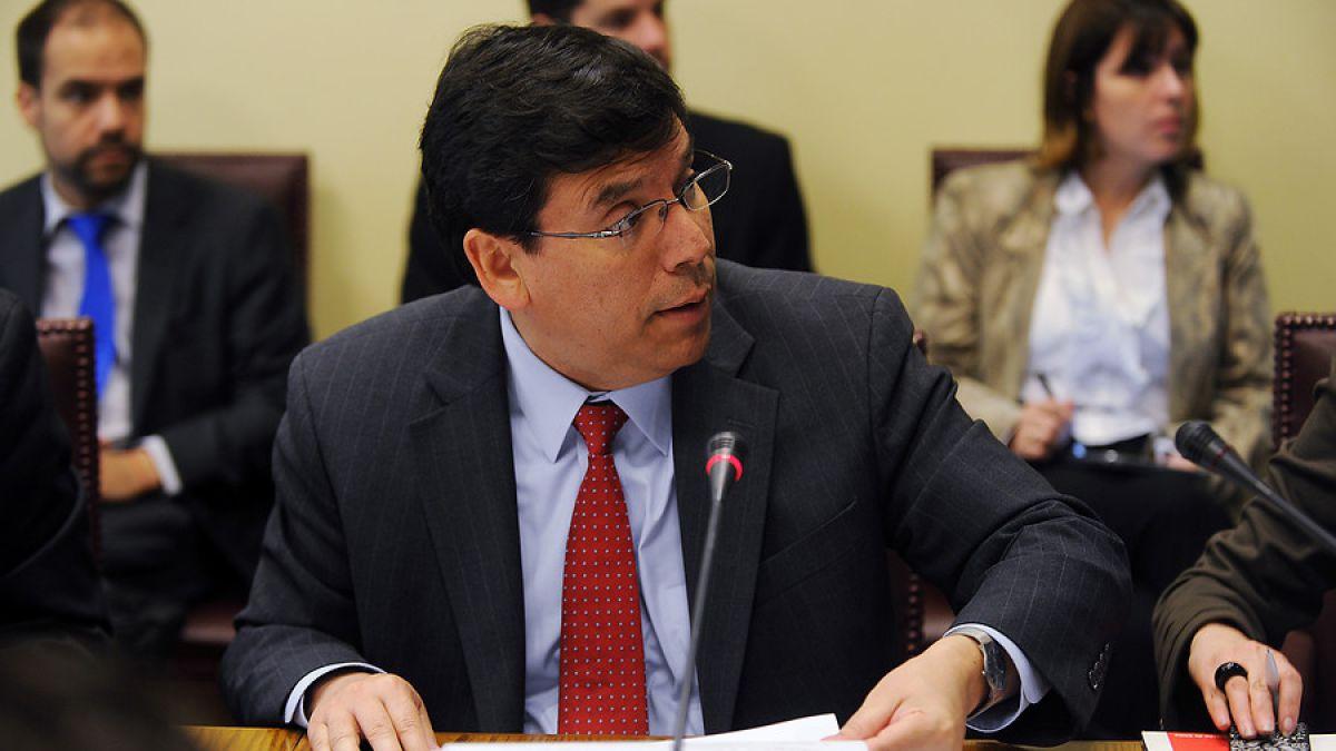 Ministro Arenas anuncia reformas a institucionalidad fiscal y al sistema financiero