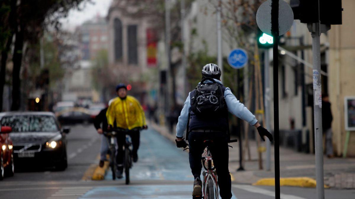 ¿Por qué el Colegio de Ingenieros cree que el plan de ciclovías de Bachelet podría fracasar?