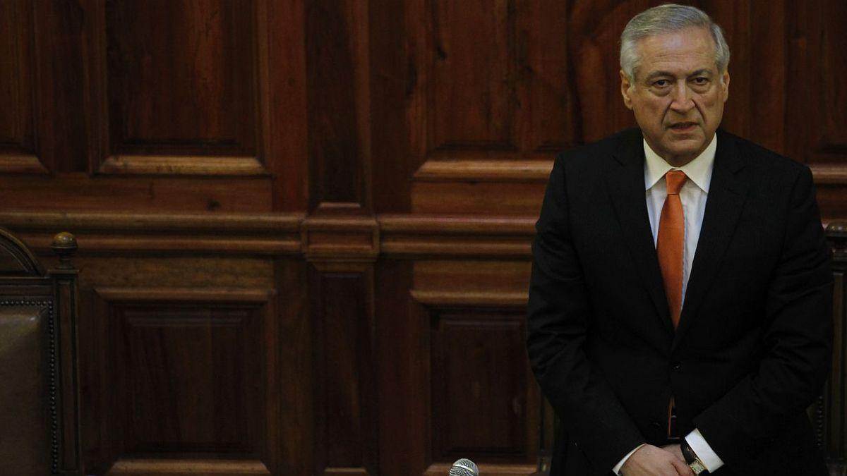 Canciller y críticas de Financial Times: Aquí no se puede apuntar con el dedo a Chile