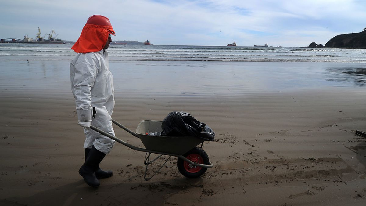 En julio ENAP se comprometió a evitar derrames en litigio tras desastre de Talcahuano 2007