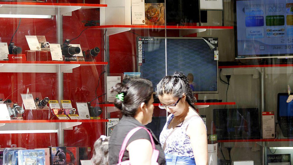 Adimark: Confianza de los consumidores detiene tendencia a la baja