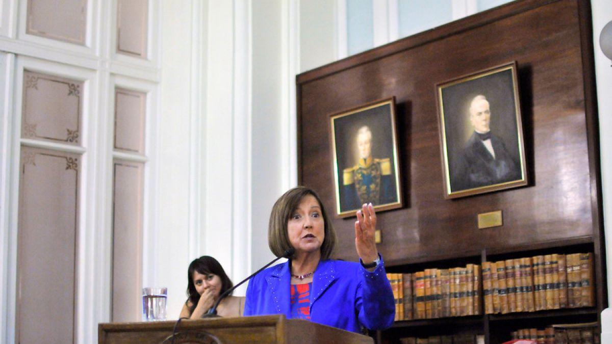 Soledad Alvear (DC): ¿A partir de este momento los embajadores pueden decir lo que quieren?