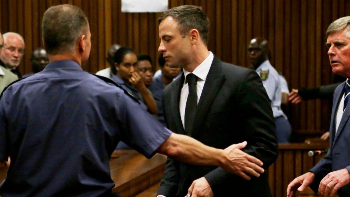 5 años de cárcel para Pistorius: Familia de víctima queda conforme con la condena