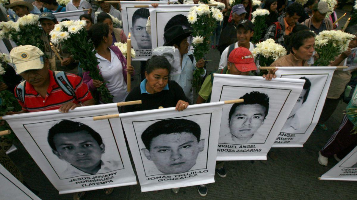 México ofrece millonaria recompensa por pistas sobre estudiantes desaparecidos