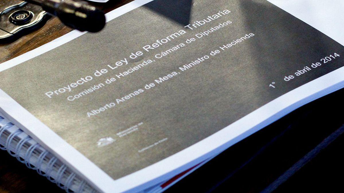 El antes y el después de la reforma tributaria: Los cambios con los que el proyecto vuelve a la Cáma