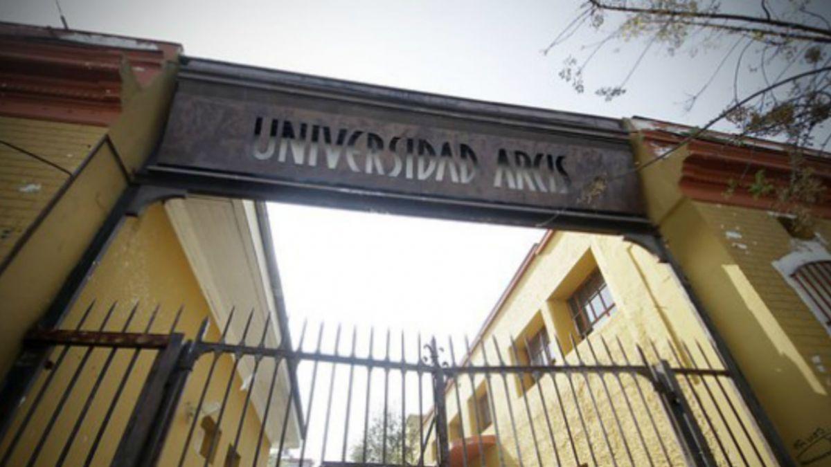 Rectora U. Arcis: A la UDI una universidad como esta le molesta y quiere enlodar al PC
