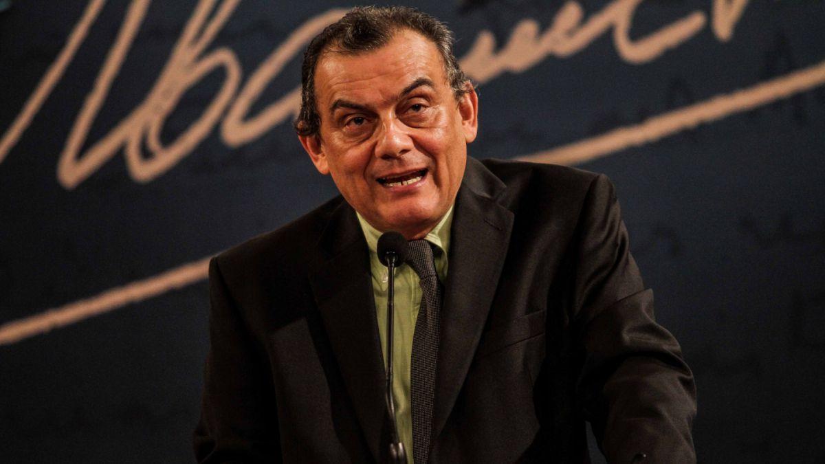 Escritor salvadoreño Horacio Castellanos es galardonado con el Premio de Narrativa Manuel Rojas