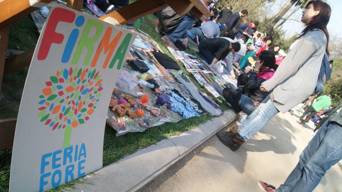 Municipio de Santiago desautoriza Feria de Las Pulgas del Parque Forestal