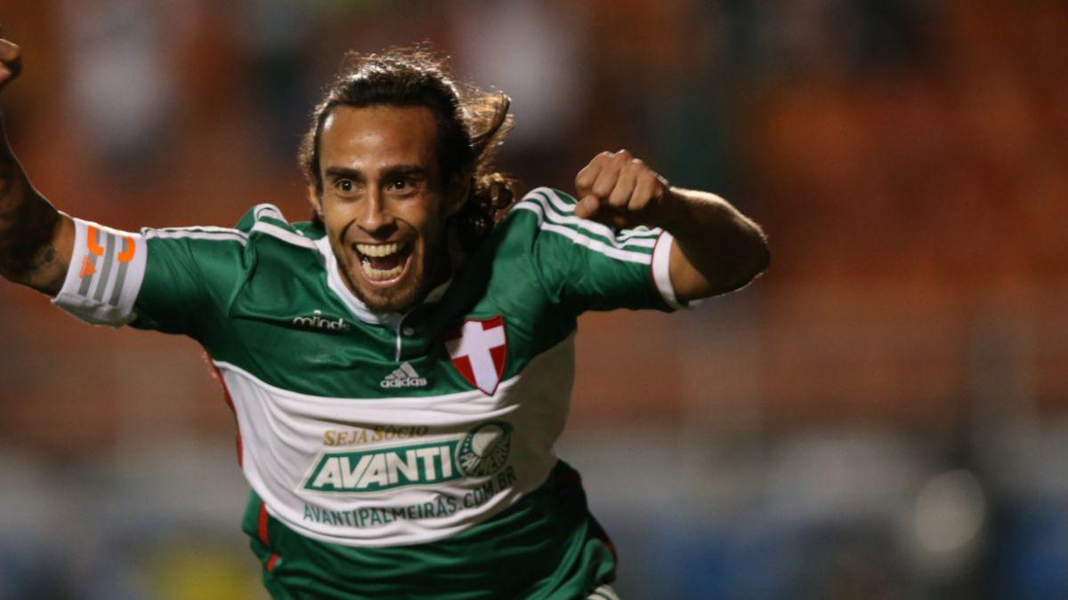 Jorge Valdivia no sufre lesión de gravedad y jugaría este domingo por el Palmeiras