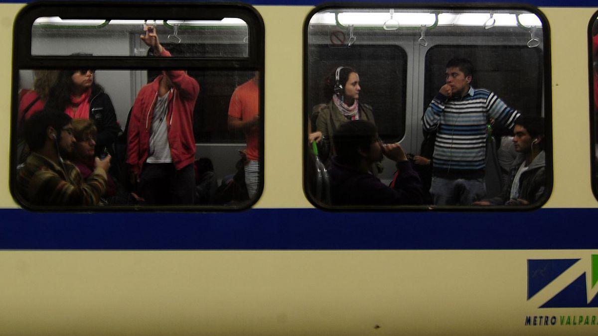 Metro de Valparaíso suspende servicio hacia Limache tras robo de cables