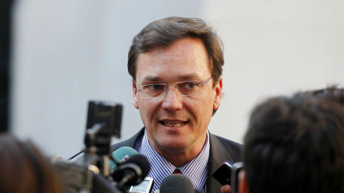 CDE presenta querella por cohecho contra ex subsecretario Pablo Wagner