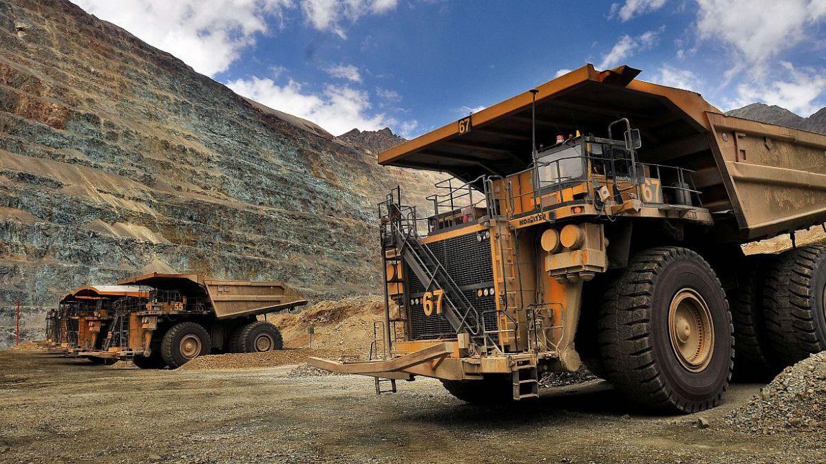 Producción industrial cae 3% en noviembre tras retroceso de sector minero