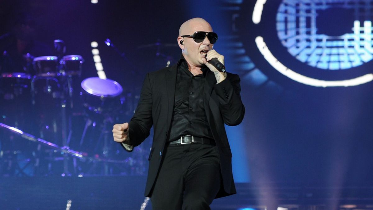Pitbull realizará programas de televisión con Michelle Obama y Paul McCartney