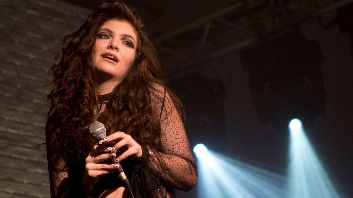 """Lorde lanza videoclip del tema para """"Los Juegos del Hambre: Sinsajo – Parte 1"""""""