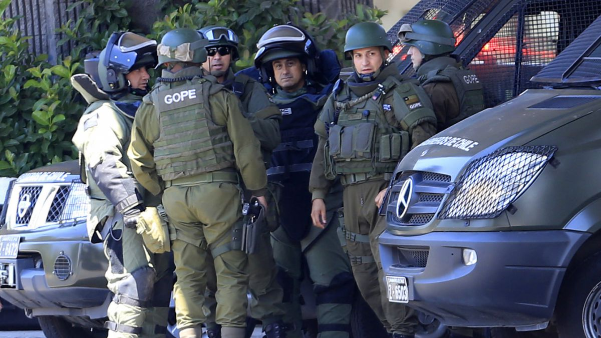 Carabineros confirma hallazgo y detona artefacto explosivo entre estaciones Pedrero y San Joaquín