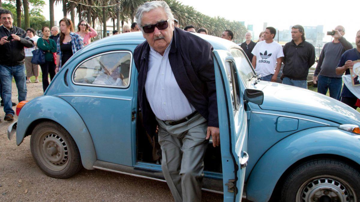 José Mujica recibe oferta de un millón de dólares por su Volkswagen Fusca