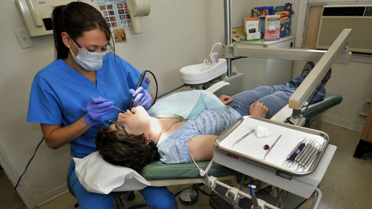 ¿Sirven las muelas del juicio? 10 mitos y verdades sobre la salud dental