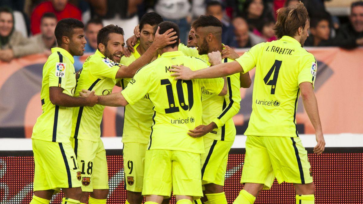 Barcelona se sobrepone a la mala racha y triunfa 2-1 ante Almería