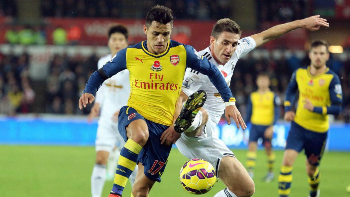 Alexis Sánchez destaca entre las críticas al Arsenal
