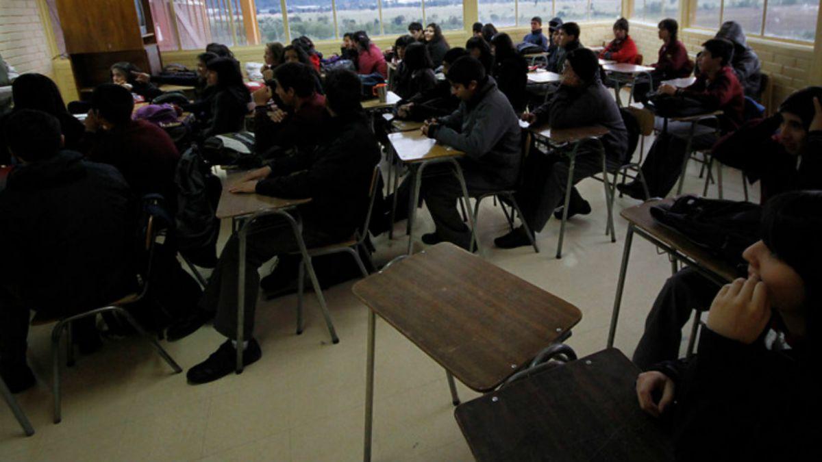 Bicentenario UC: 69% prefiere educación subvencionada por sobre la municipal