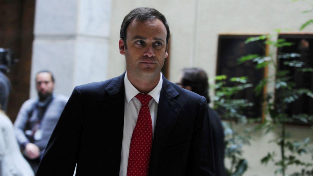 Ward anuncia que UDI reaccionará durísimo si hay sentencias en Caso Penta