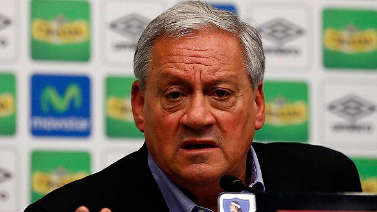 Arturo Salah deja su cargo como presidente de Colo Colo