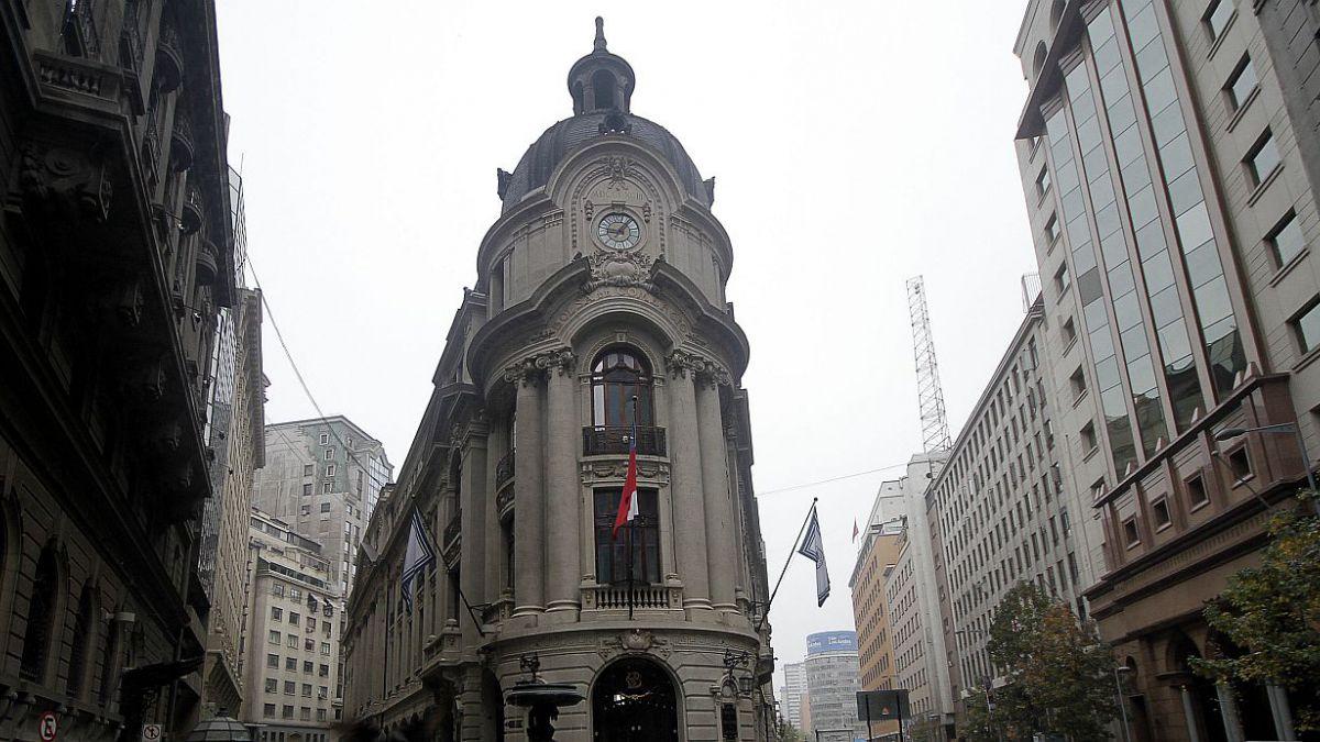 Bolsa de Santiago cierra con caída de 1,79 %