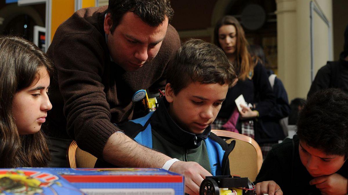 Más de la mitad del gasto de los municipios en educación se destina a pago de sueldos