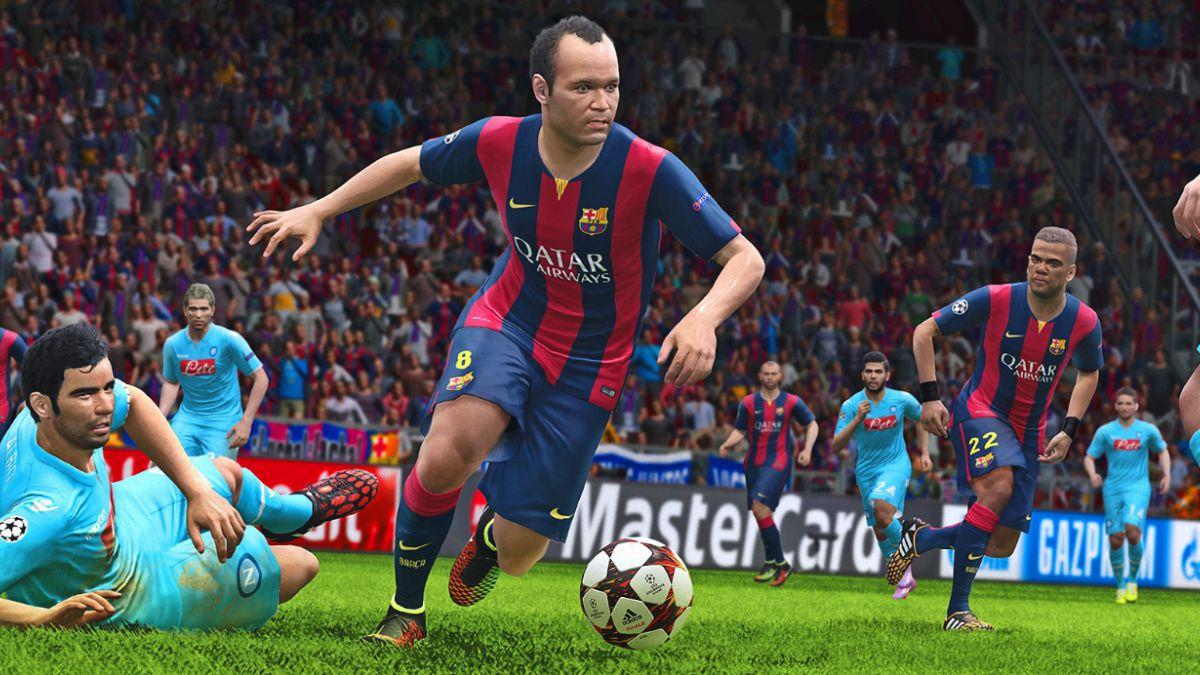 Elogiado PES 2015 llegó a Chile para pelearle al FIFA15
