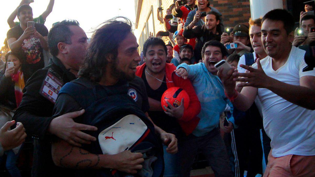 [FOTOS] La caótica llegada de la selección chilena a Talcahuano