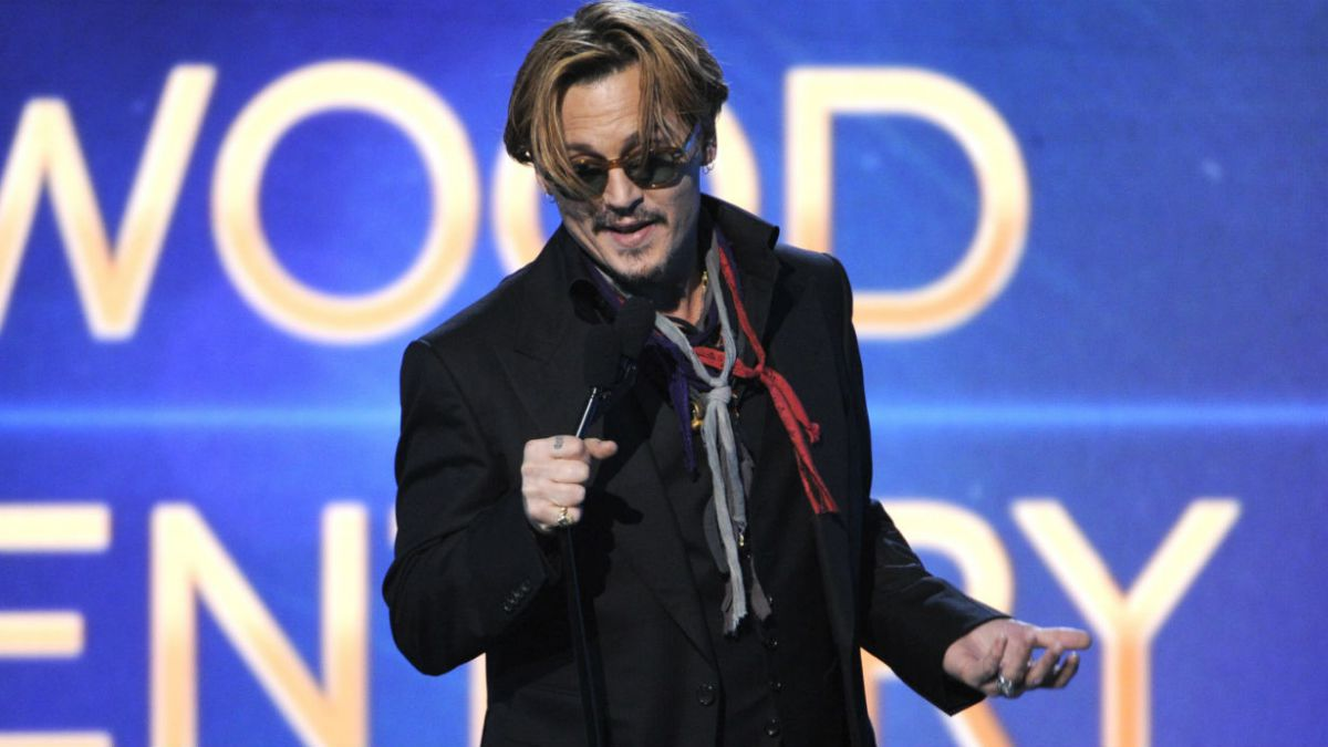 [VIDEO] Acusan a Johnny Depp de presentarse borracho a premiación en Hollywood