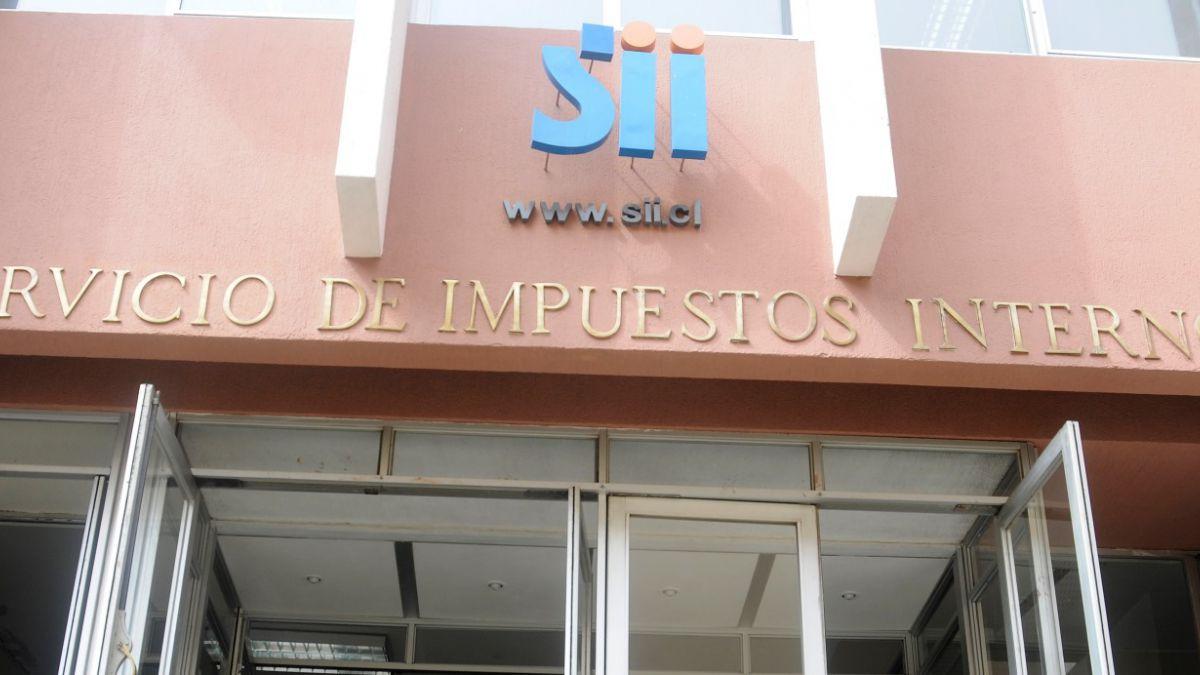 Estudio sostiene que impuestos y leyes antimonopolio son prioritarios en agenda regulatoria en Chile