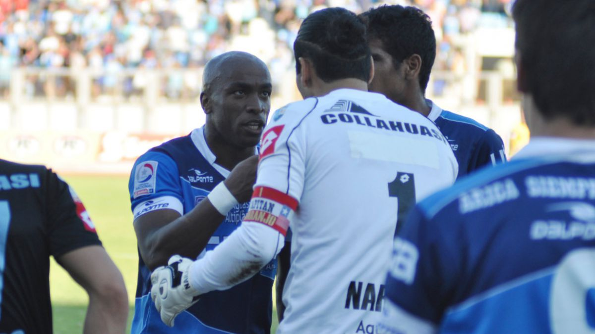 Suspenden partido de San Marcos por nuevos insultos racistas contra Emilio Rentería