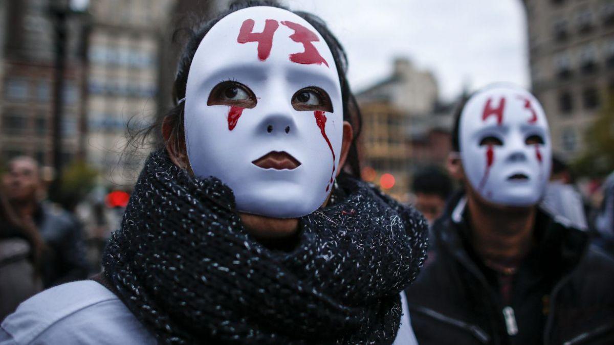 La guerra de versiones por la desaparición de los estudiantes de Ayotzinapa